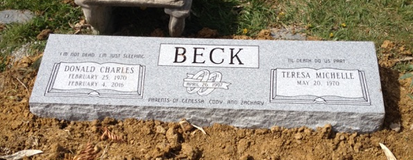 Double bevel marker for Donald Charles and Teresa Beck
