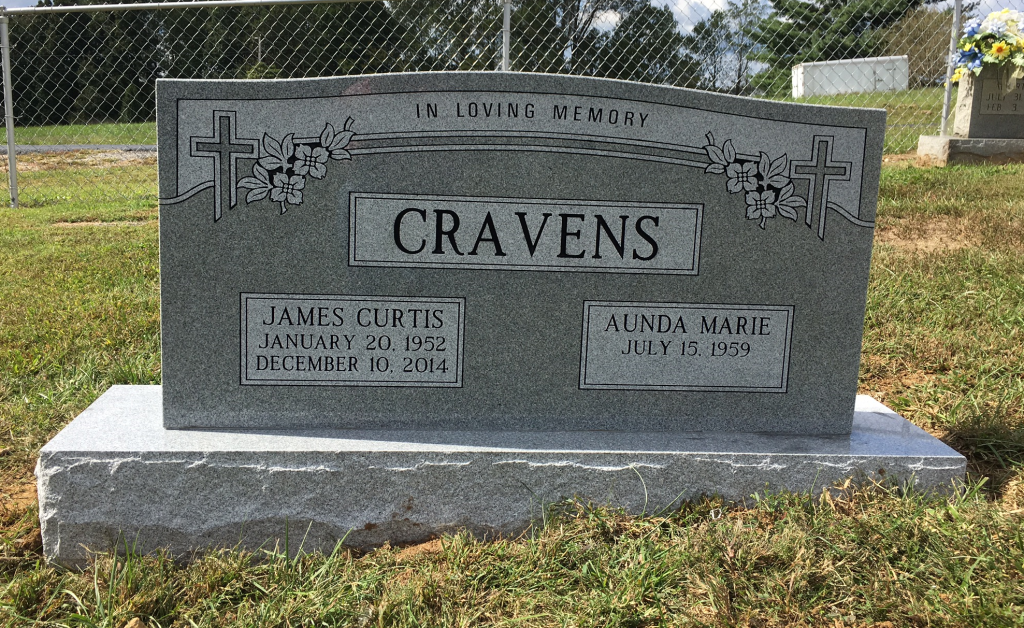 Headstone for Curtis and Aunda Cravens