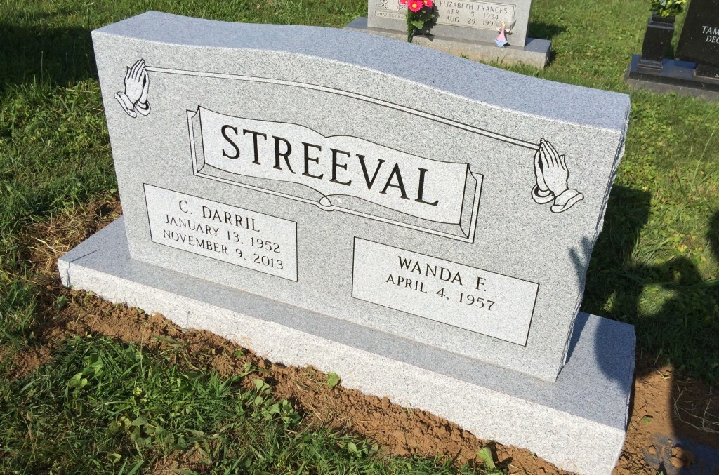 Headstone for Darril and Wanda Streeval