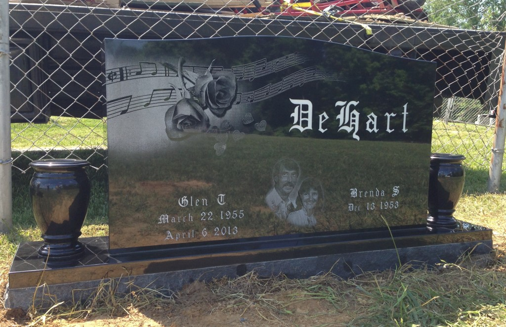 Headstone for Glen and Brenda DeHart
