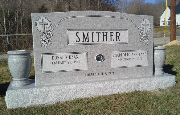 Headstone for Donnie and Charlotte Smither