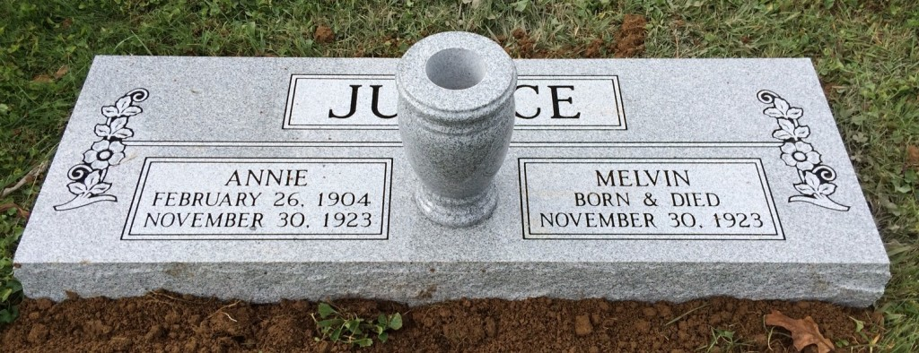 Double flat marker for Melvin and Annie Justice