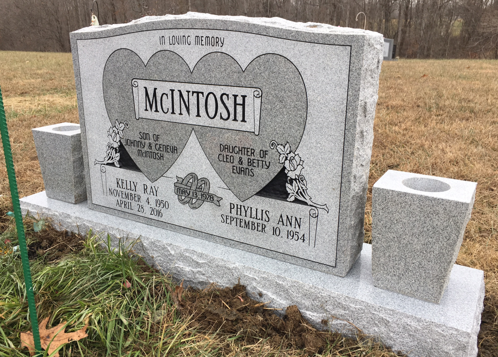 Headstone for Kelly and Phyllis McIntosh