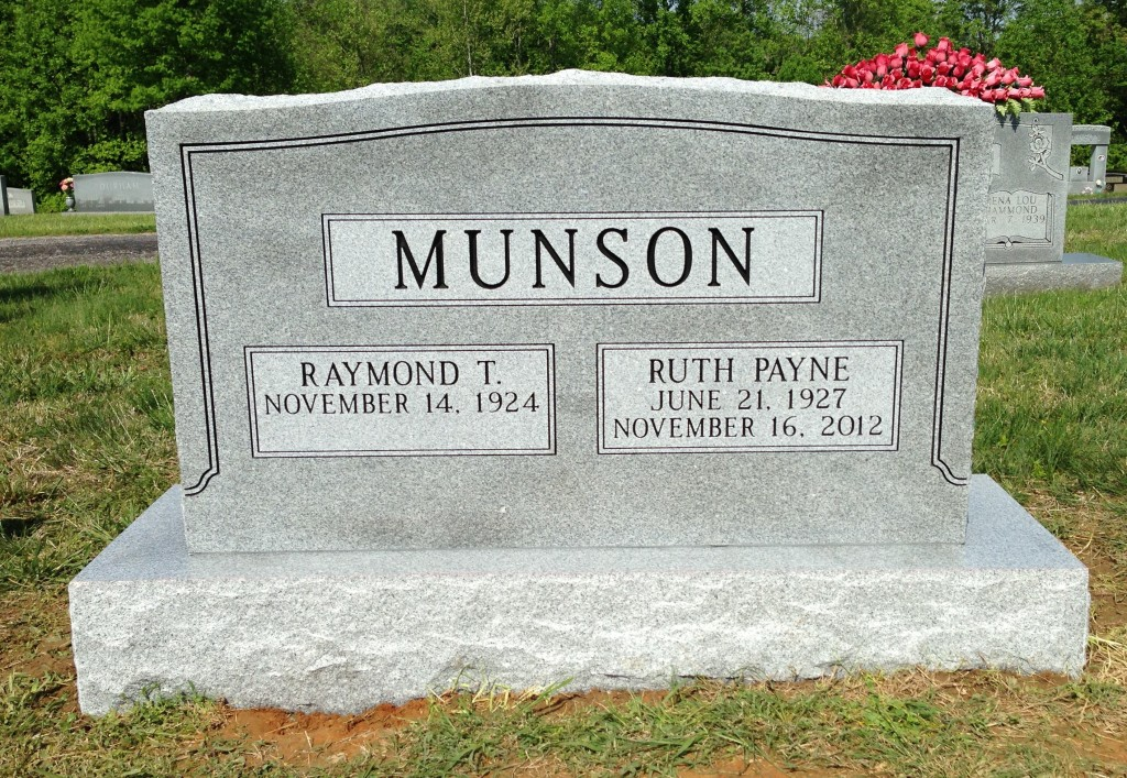 Headstone for Raymond and Ruth Munson