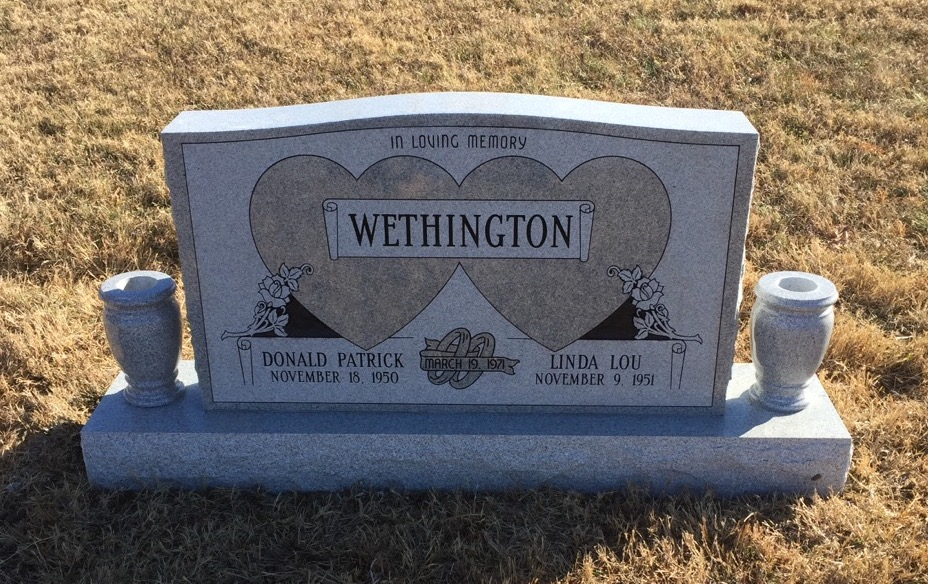 Headstone for Pat and Linda Wethington