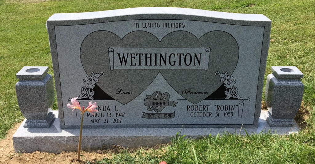 Headstone for Robin and Linda Wethington
