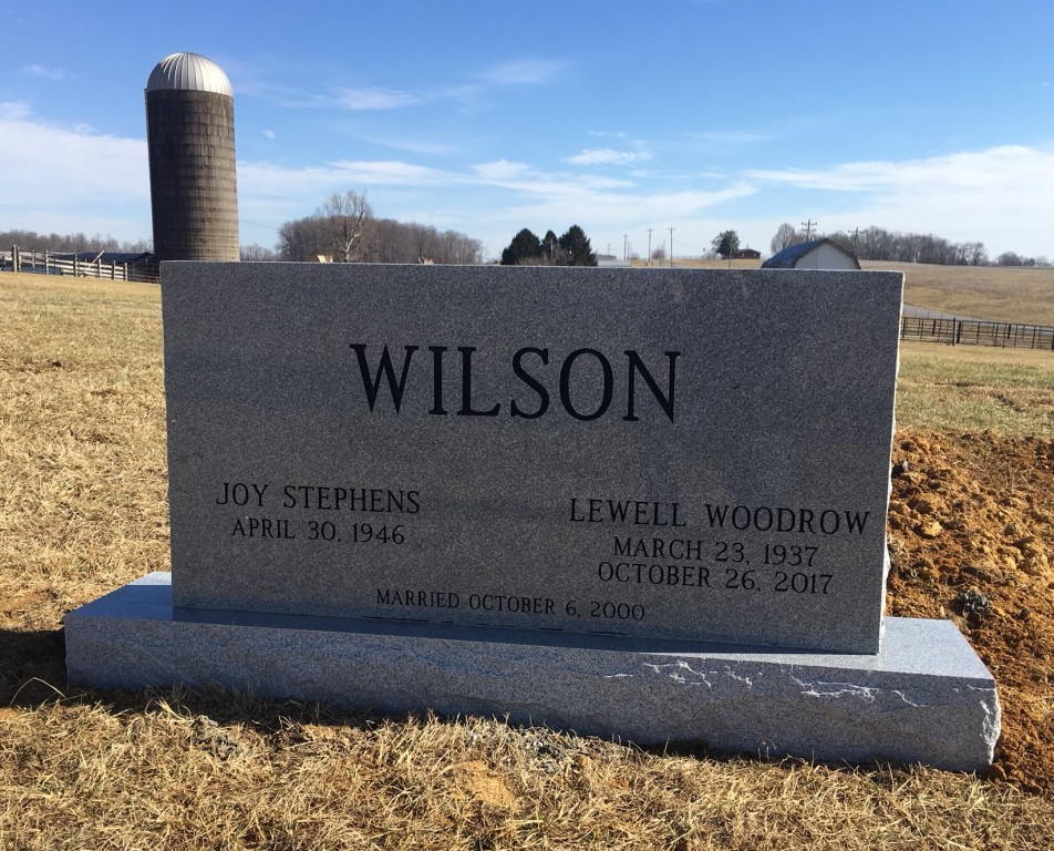 Headstone for Lewell and Joy Wilson