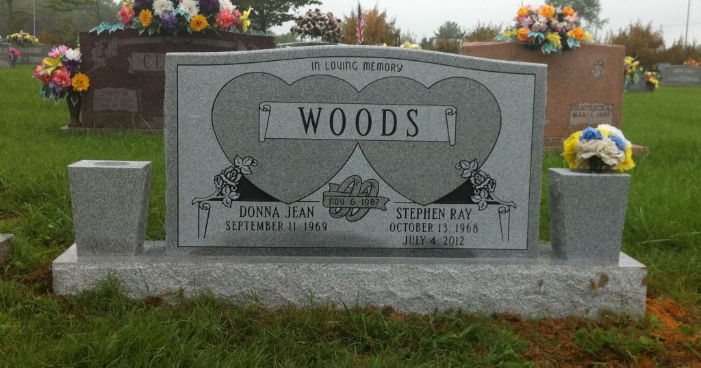 Headstone for Stephen and Donna Woods