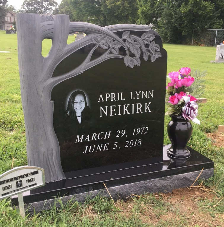 Front of Headstone for April Lynn Neikirk