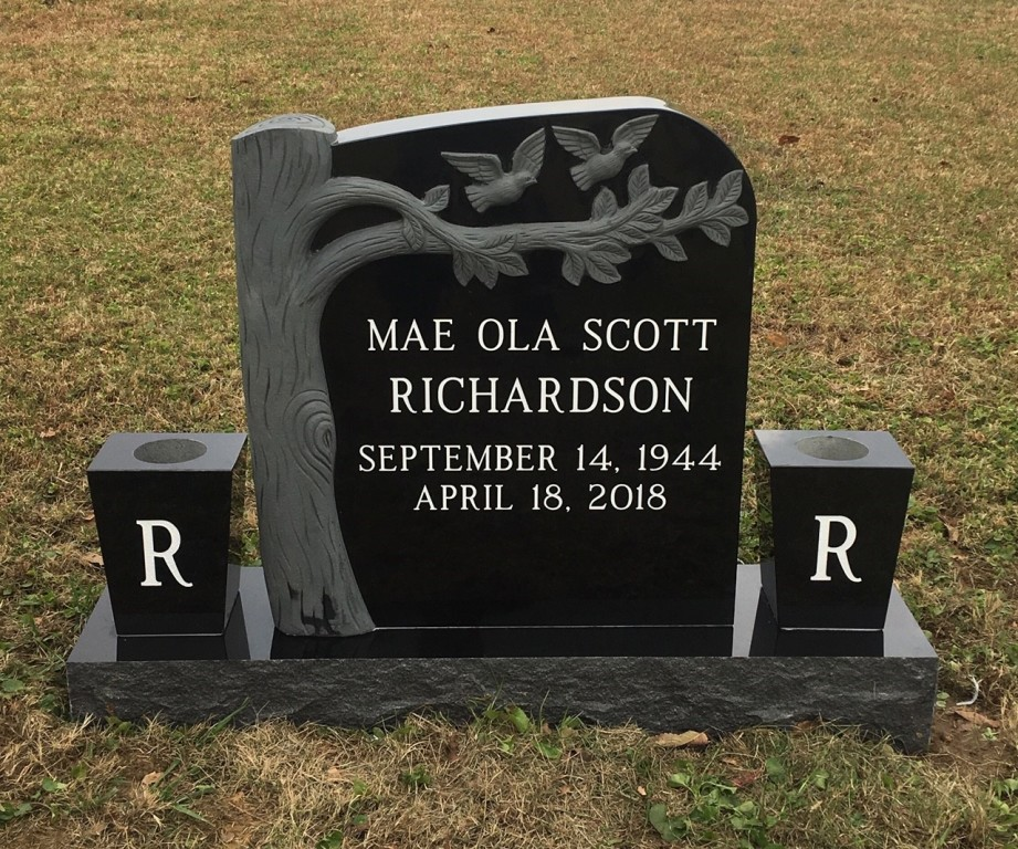 Headstone for Mae Ola Richardson