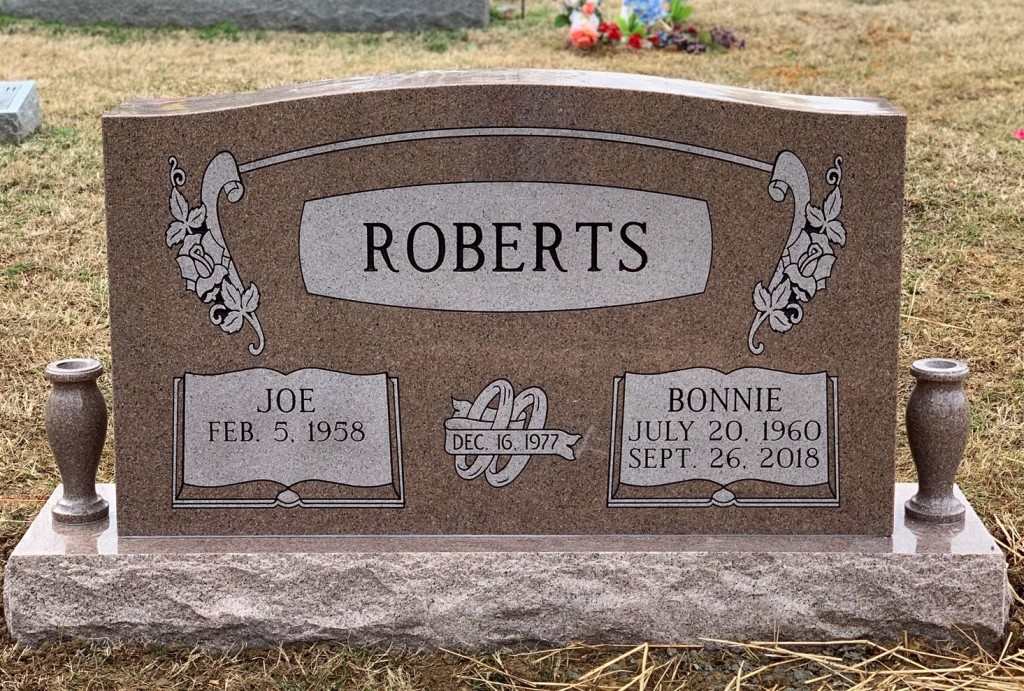 Headstone for Joe and Bonnie Roberts