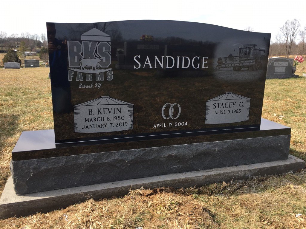 Headstone for Kevin and Stacey Sandidge