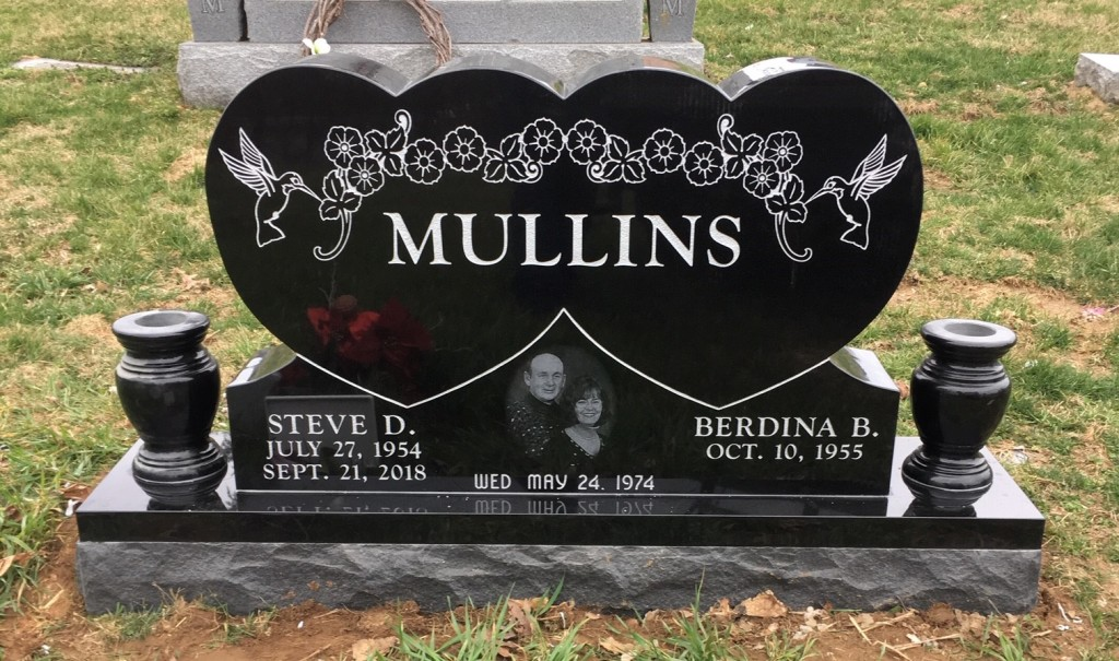 Headstone for Steve and Berdina Mullins
