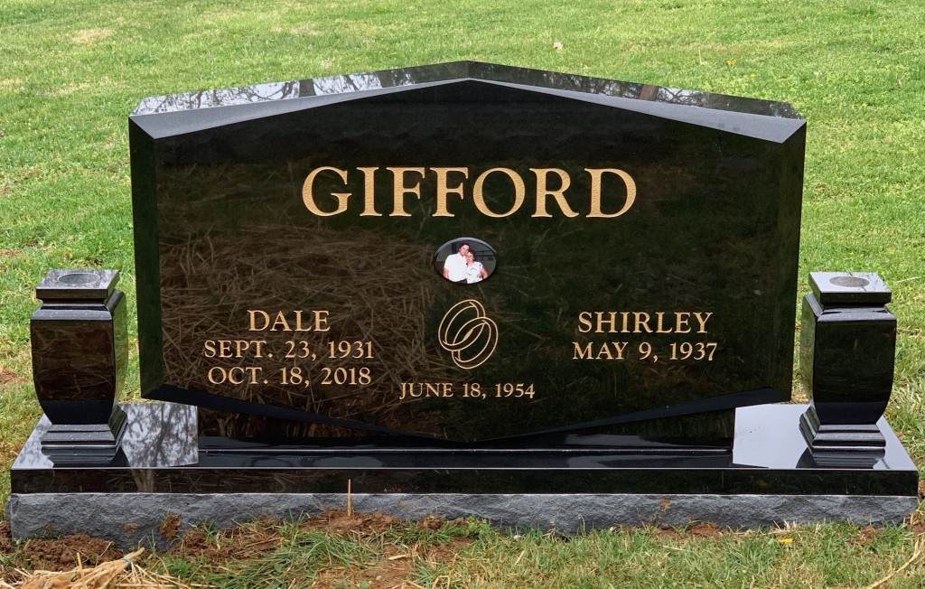Headstone for Dale and Shirley Gifford