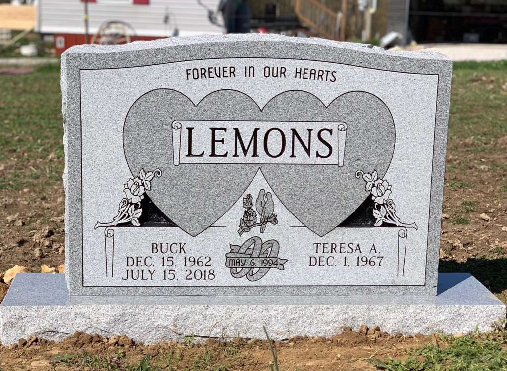 Headstone for Buck and Teresa Lemons