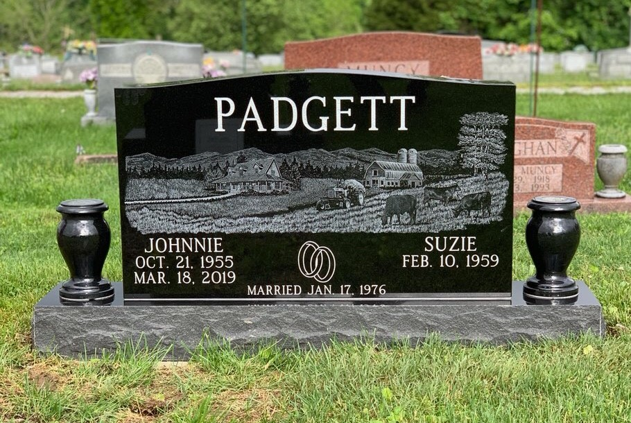 Headstone for Johnnie and Suzie Padgett