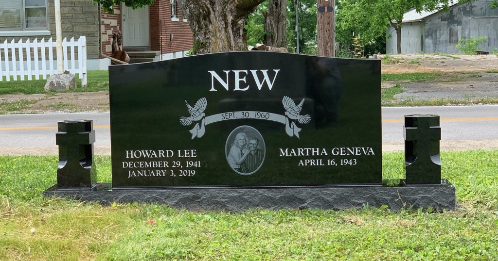 Headstone for Howard Lee and Martha Geneva New