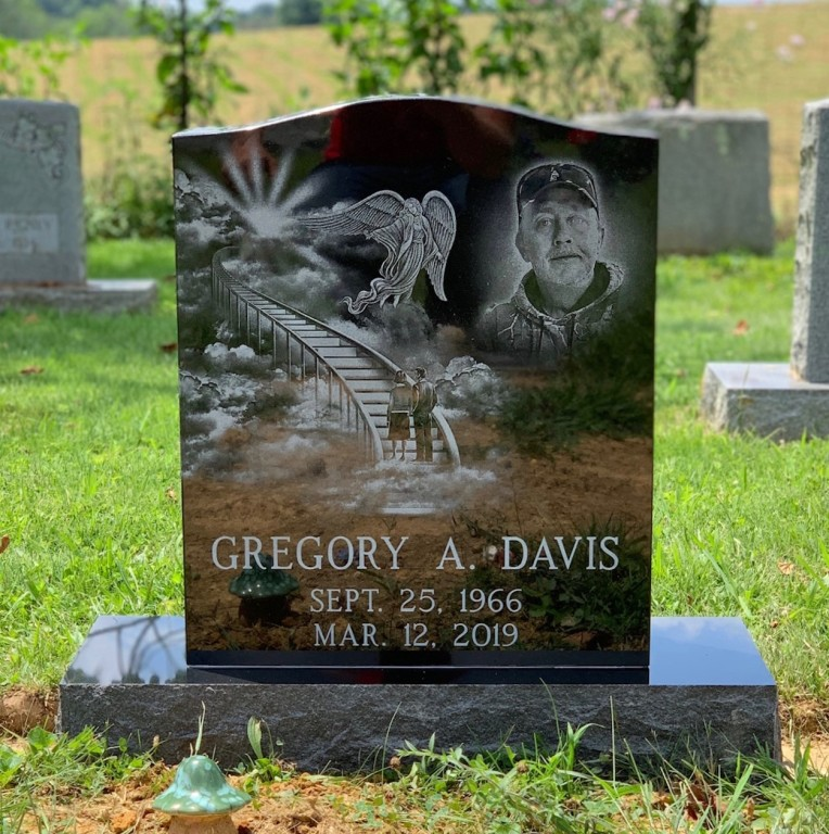 Headstone for Gregory Davis