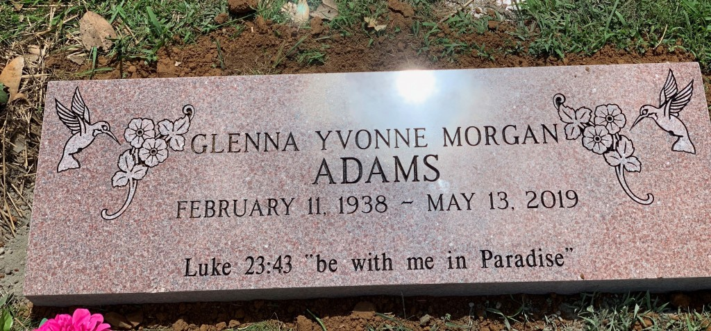 Flat marker for Glenna Yvonne Adams