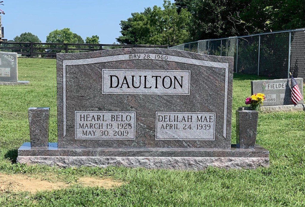 Headstone for Hearl and Delilah Daulton