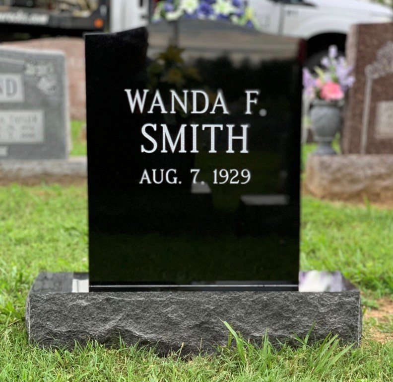 Headstone for Wanda Smith