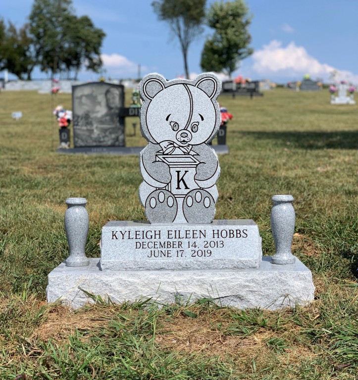 Headstone for Kyleigh Eileen Hobbs