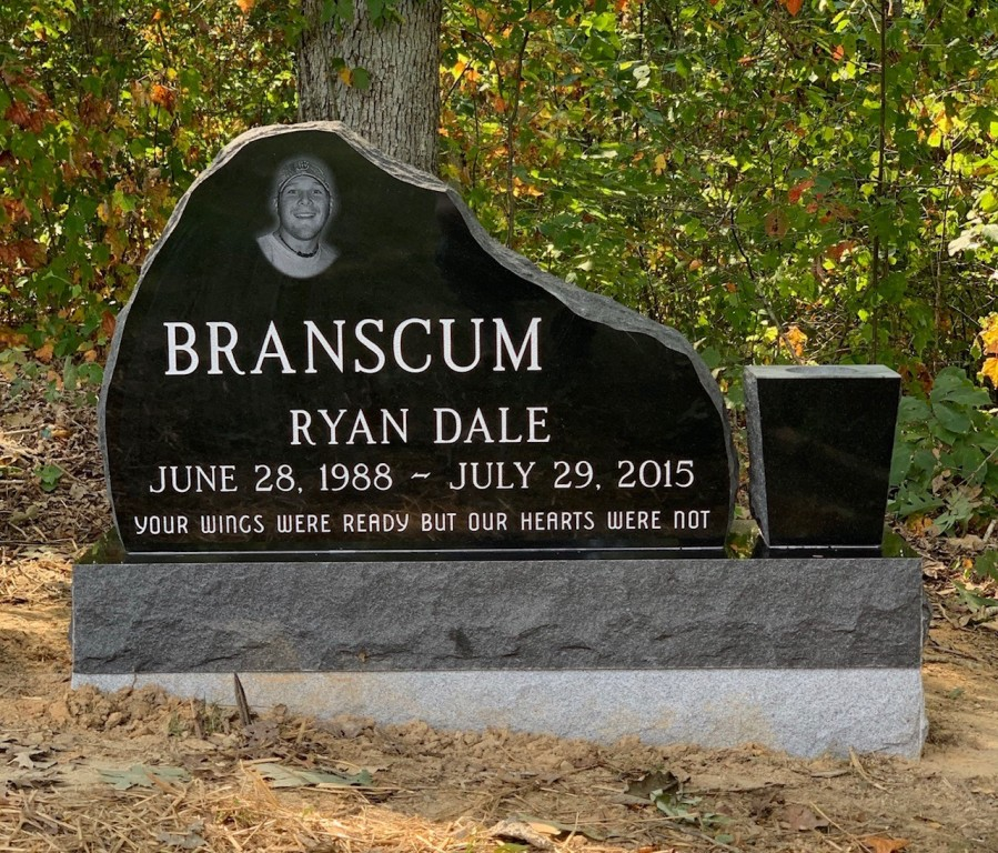 Headstone for Ryan Dale Branscum