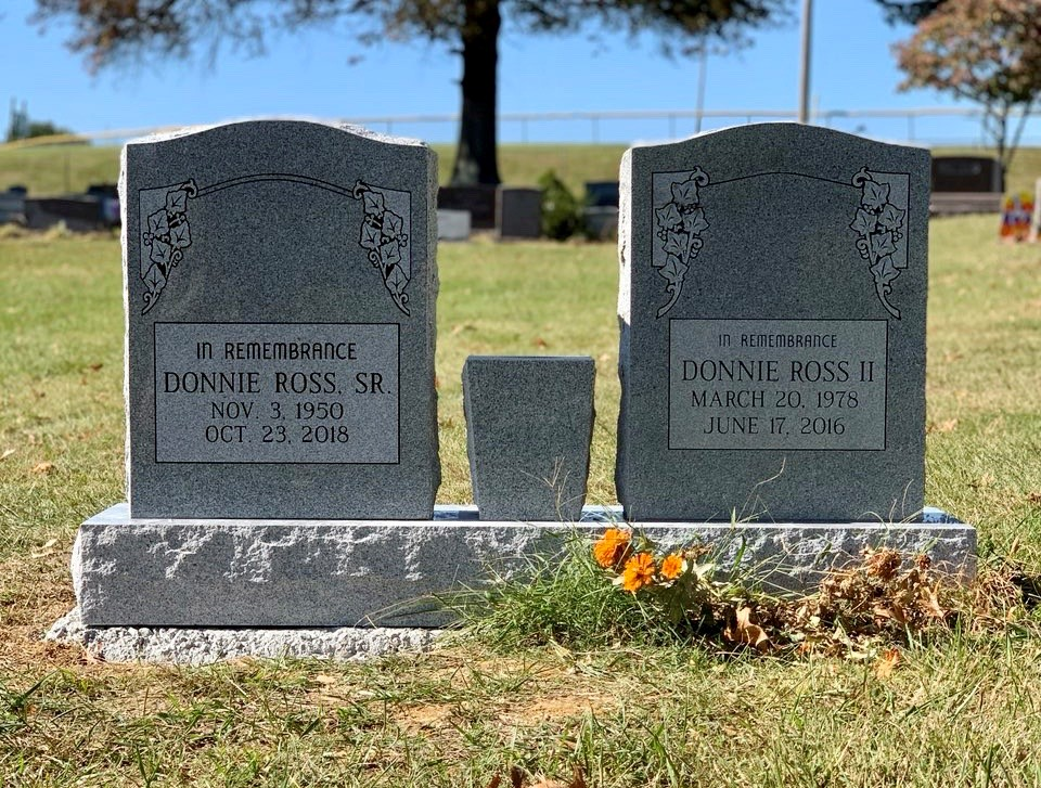 Headstone for the Ross family