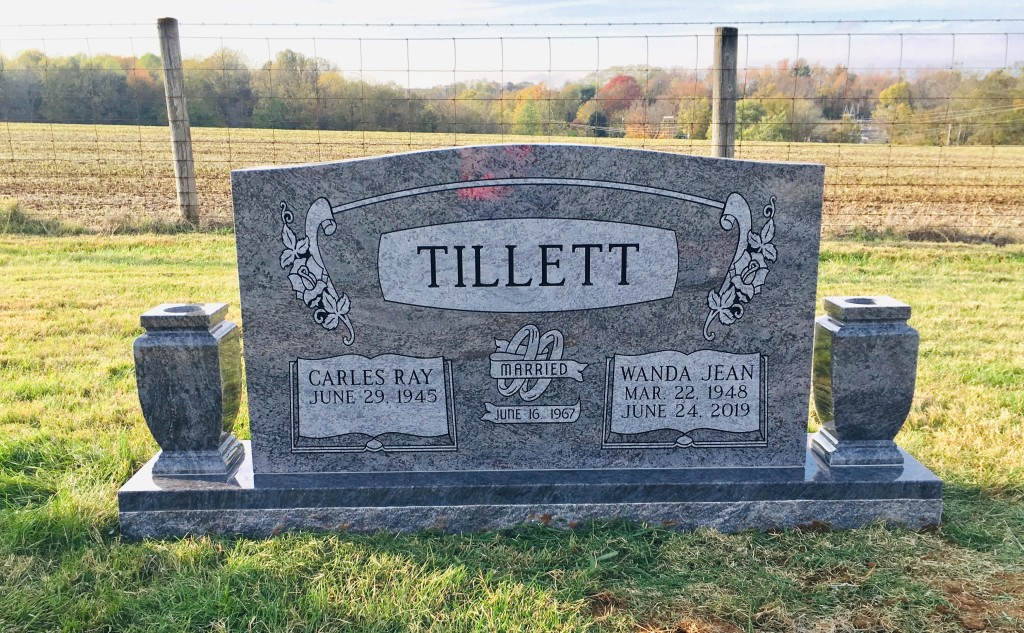 Headstone for Carles and Wanda Tillett