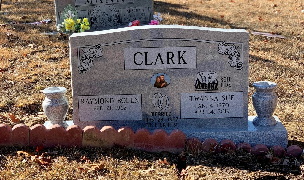 Headstone for Raymond and Twanna Clark