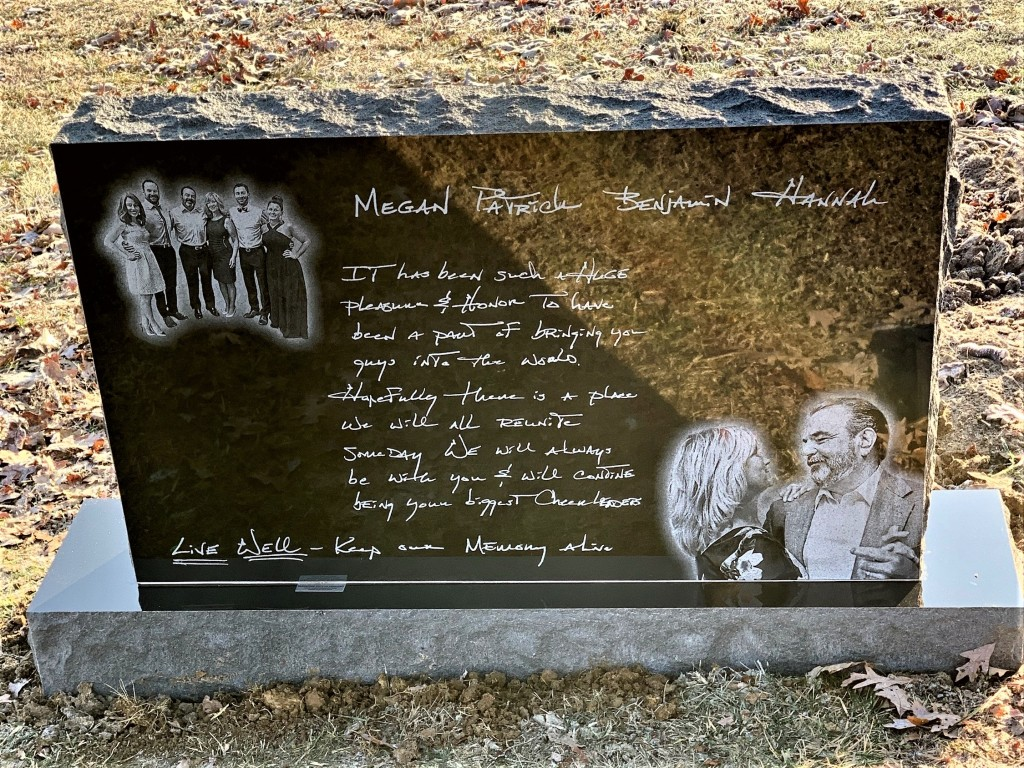 Headstone for Wayne and Jackie Spalding