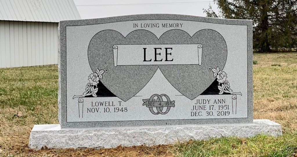 Headstone for Lowell and Judy Lee