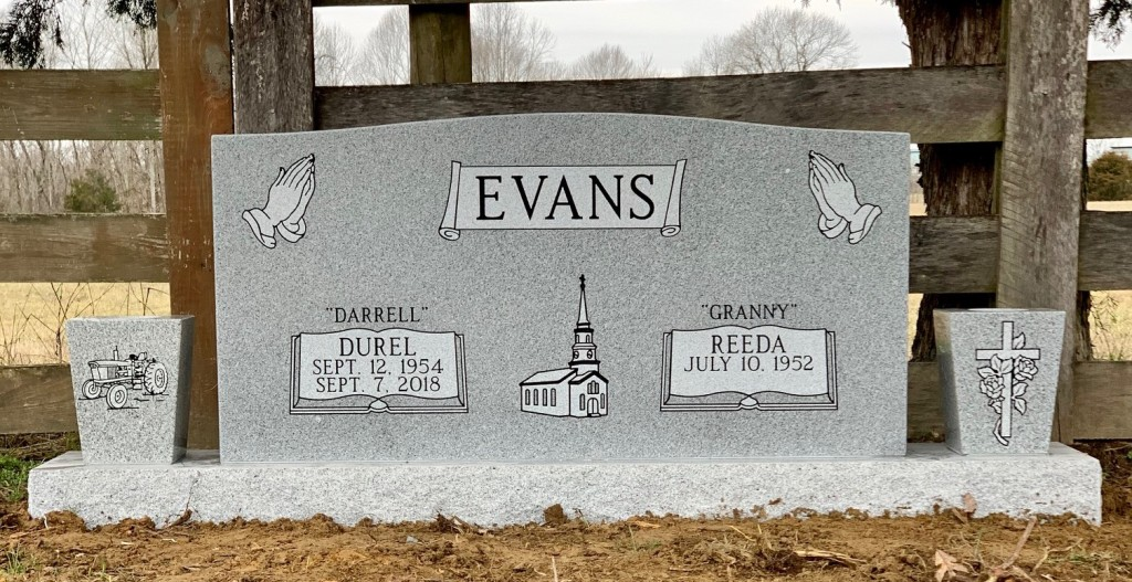 Headstone for Darrell and Reeda Evans