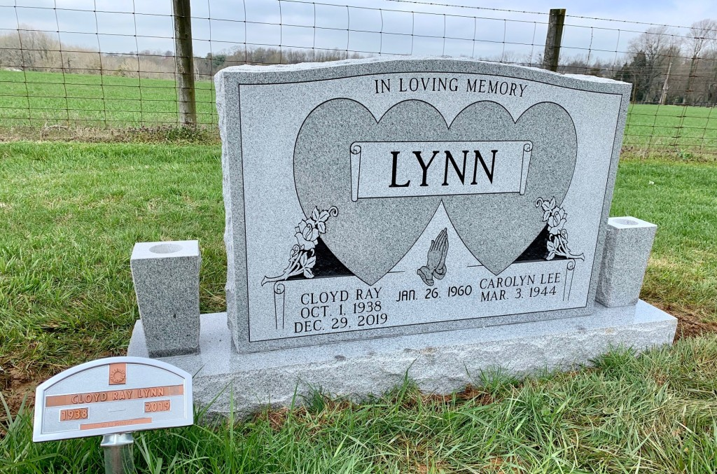 Headstone for Cloyd and Carolyn Lynn