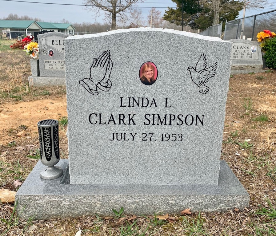 Headstone for Linda Clark Simpson