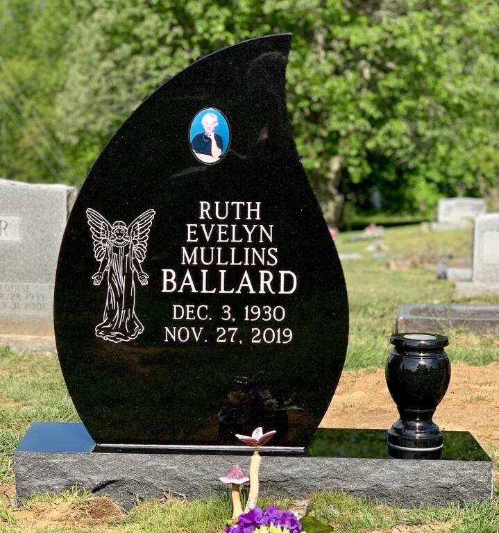 Headstone for Ruth Evelyn Mullins Ballard