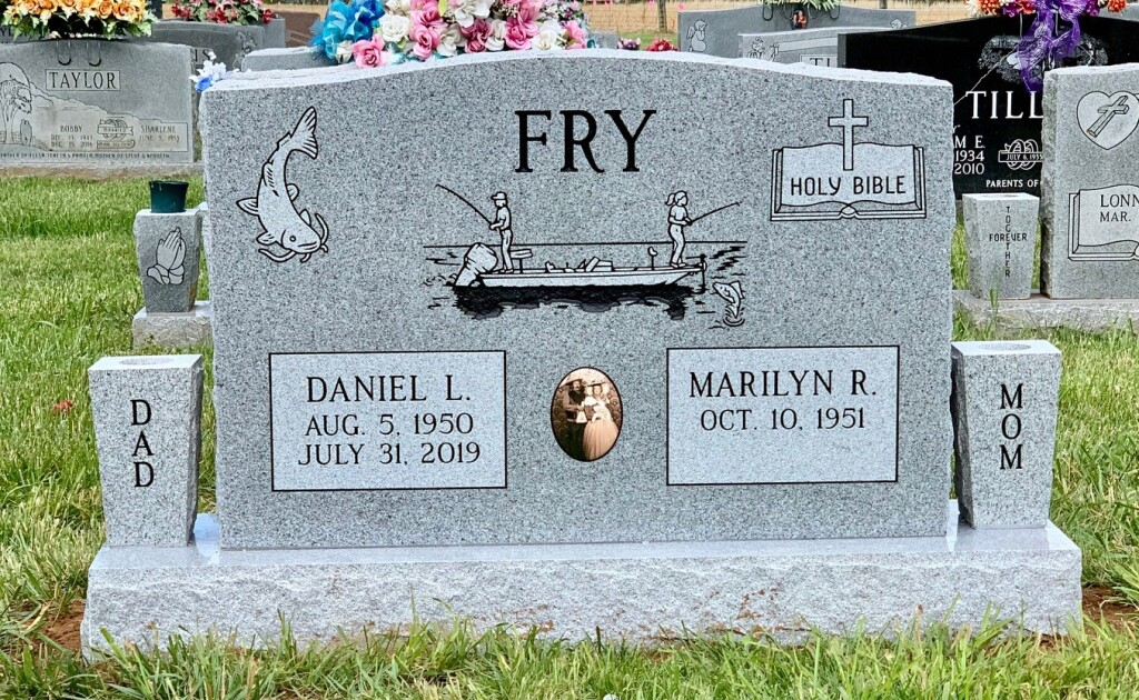 Headstone for Daniel and Marilyn Fry