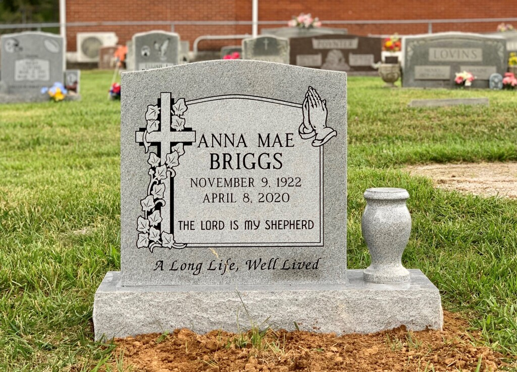 Headstone for Anna Mae Briggs