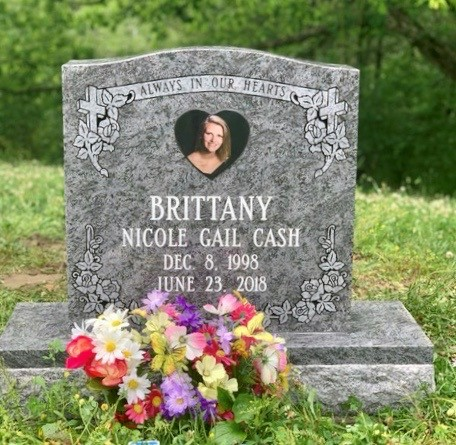 Headstone for Nicole Gail Cash Brittany
