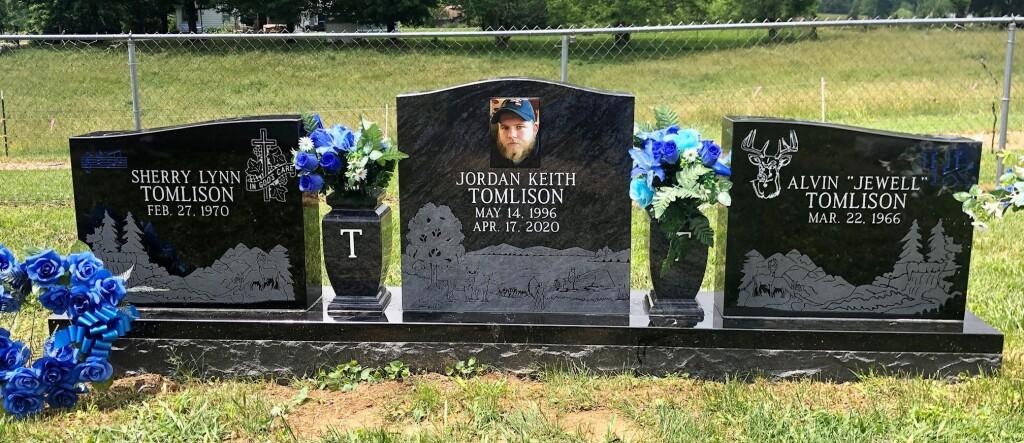 Tomlinson triple headstone