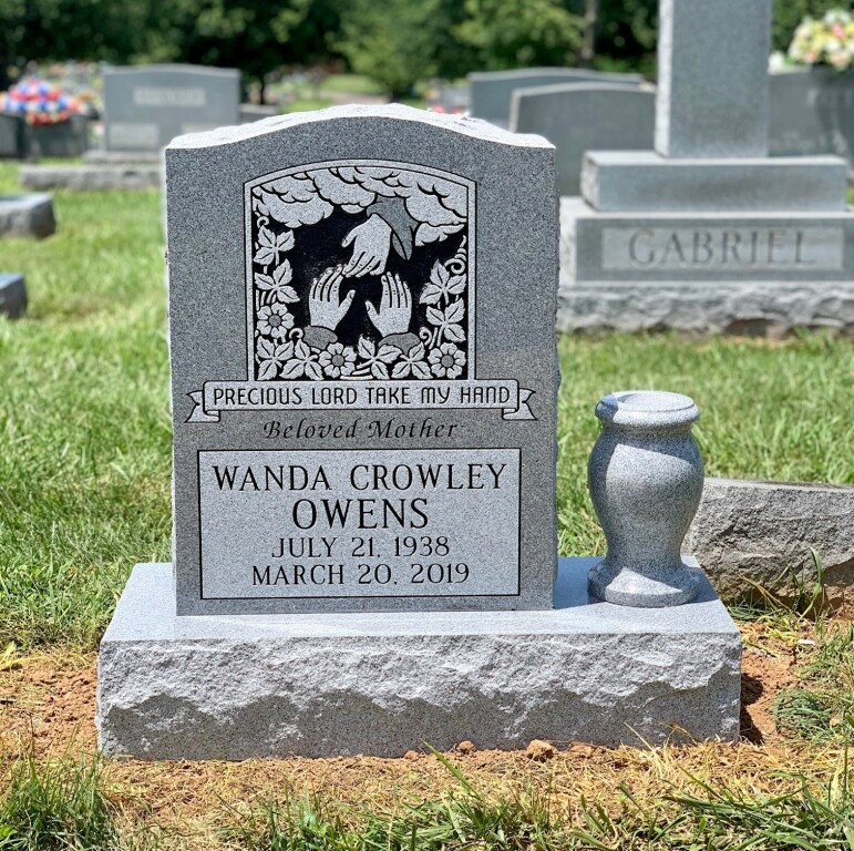Headstone for Wanda Crowley Owens
