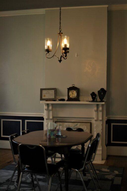 Lounge/Arrangment Table