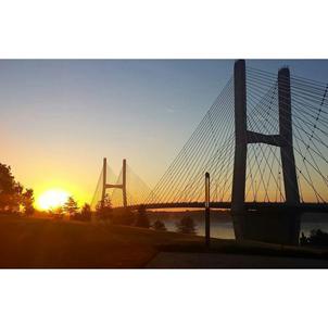 Bill Emerson Memorial Bridge at sunrise
