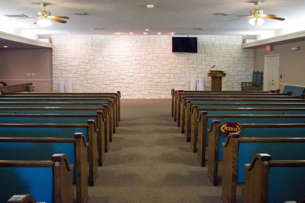 A comfortable, and private chapel, with plenty of seating to accommodate your family, friends, and loved ones.