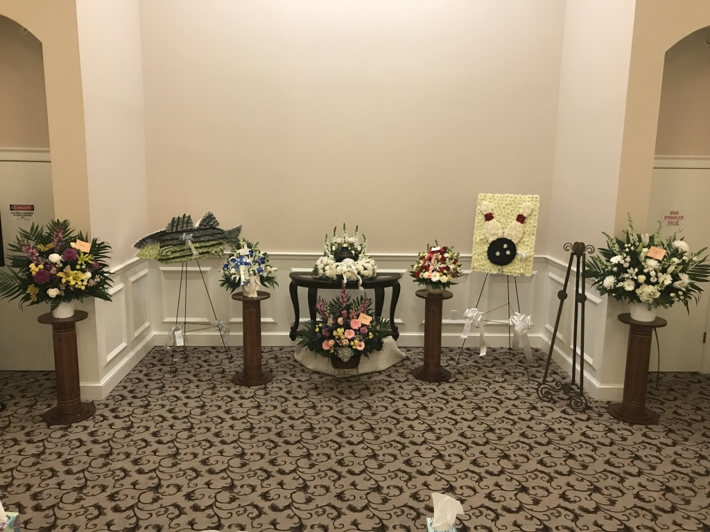 Memorial service with ashes of the deceased present