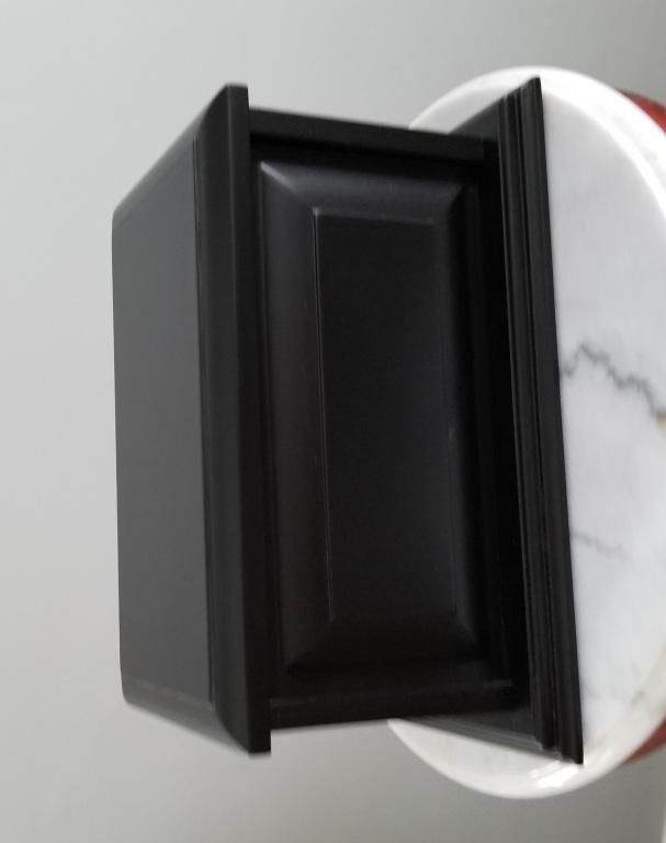 URN-A036 / $175