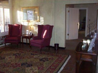 Davis Location - Foyer