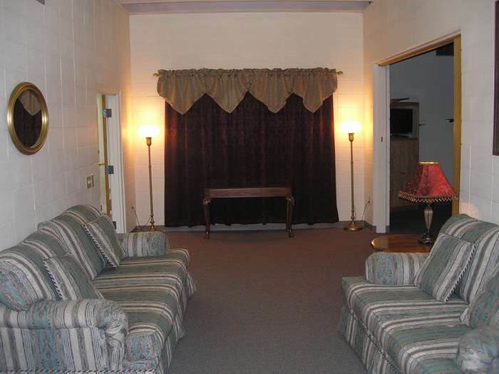 Facility Tour | Smith Funeral Chapel | Smithland KY funeral