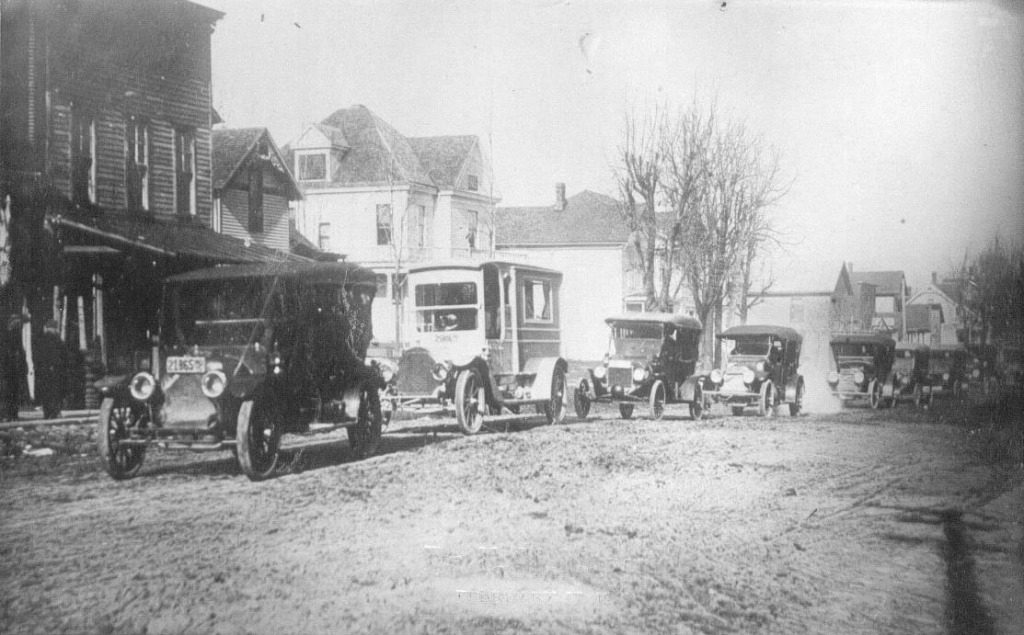 The first motorized funeral held in Churubusco  Dr. F. M. Magers 1915