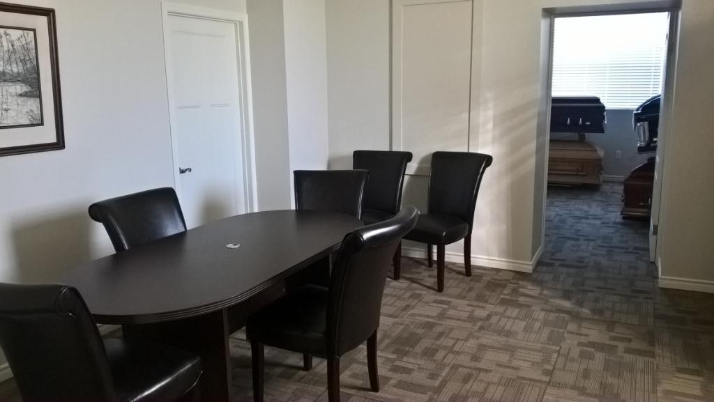 Arrangement and Showroom